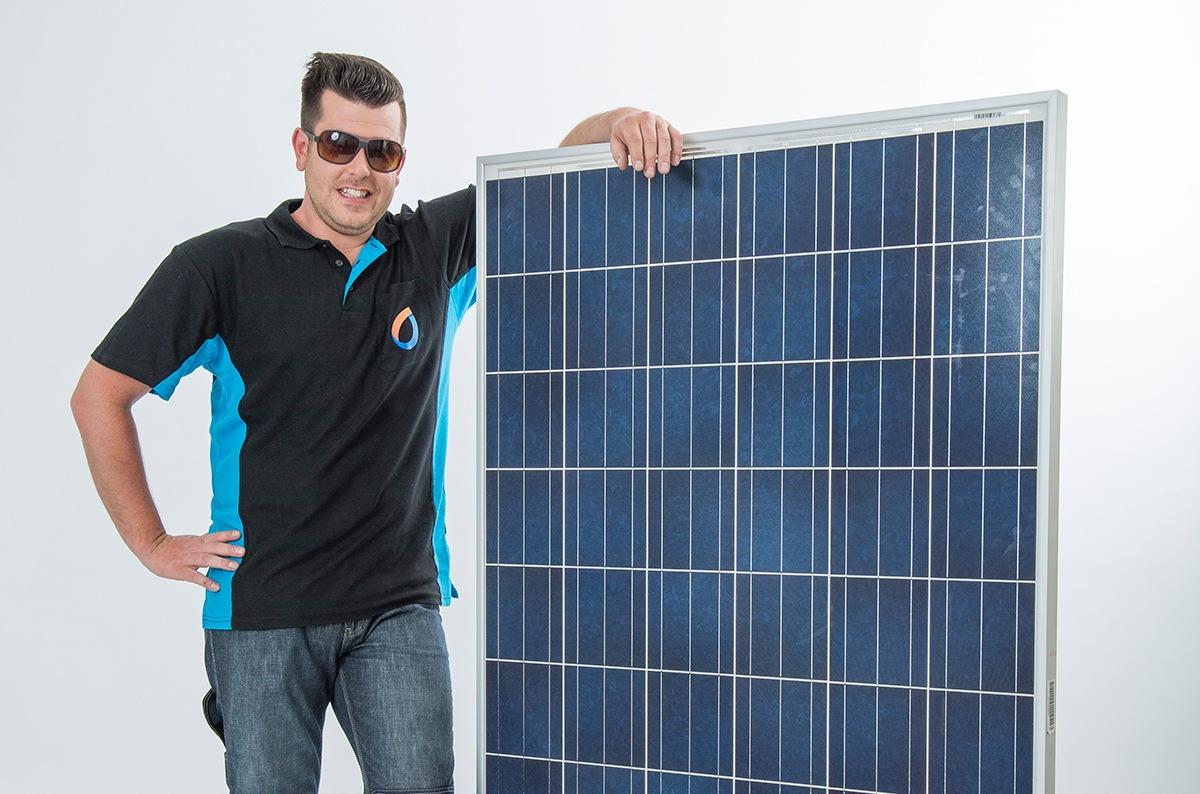 zonnepanelen plat dak  hoe installeren