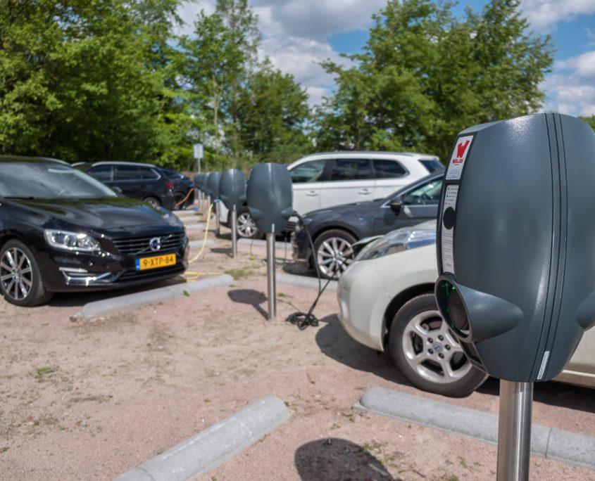 elektrische-auto-opladen-walibi-holland