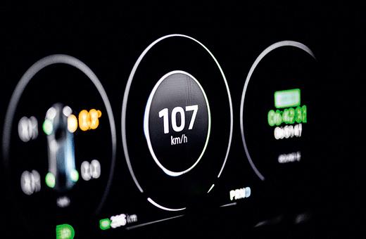 Laadpaal-Porsche-Mission-E-Cross-Turismo