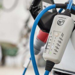 Elektrische auto opladen op vakantie in het buitenland